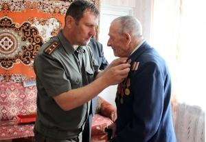 Россоны, вручение медалей, ветераны